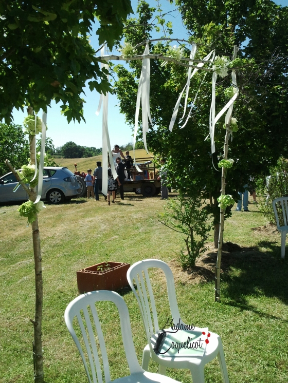 Cérémonie Laïque  Fleuriste : Poppy Figue Flower Wedding Planner Madame Coquelicot