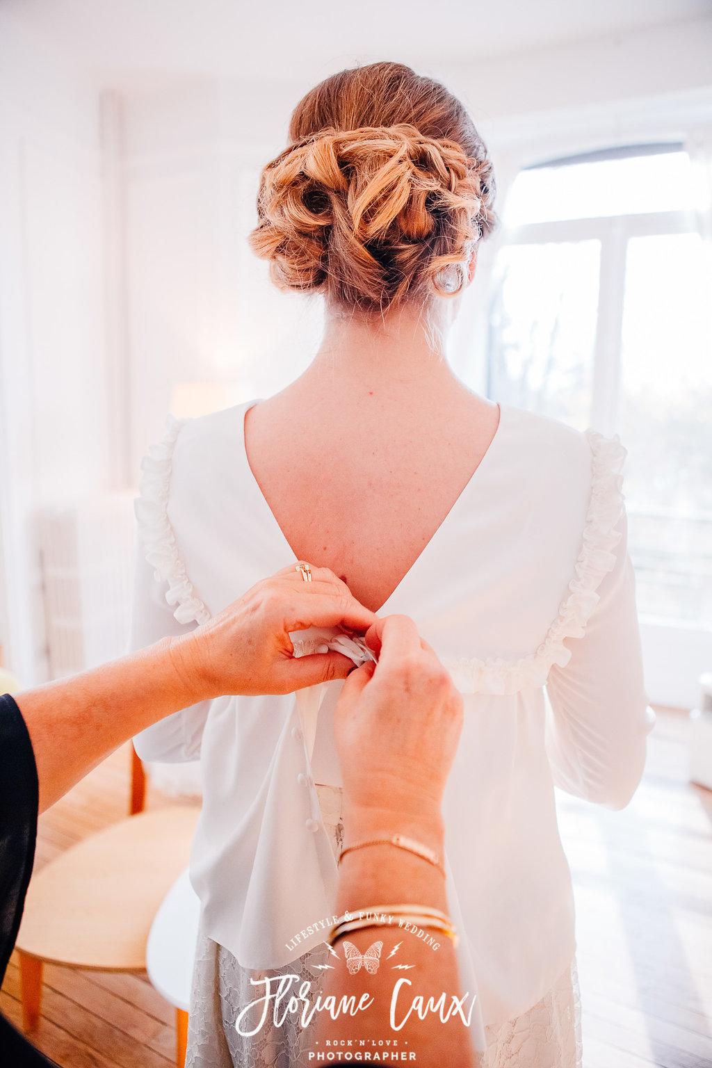 Préparatif de la mariée, robe de mariée