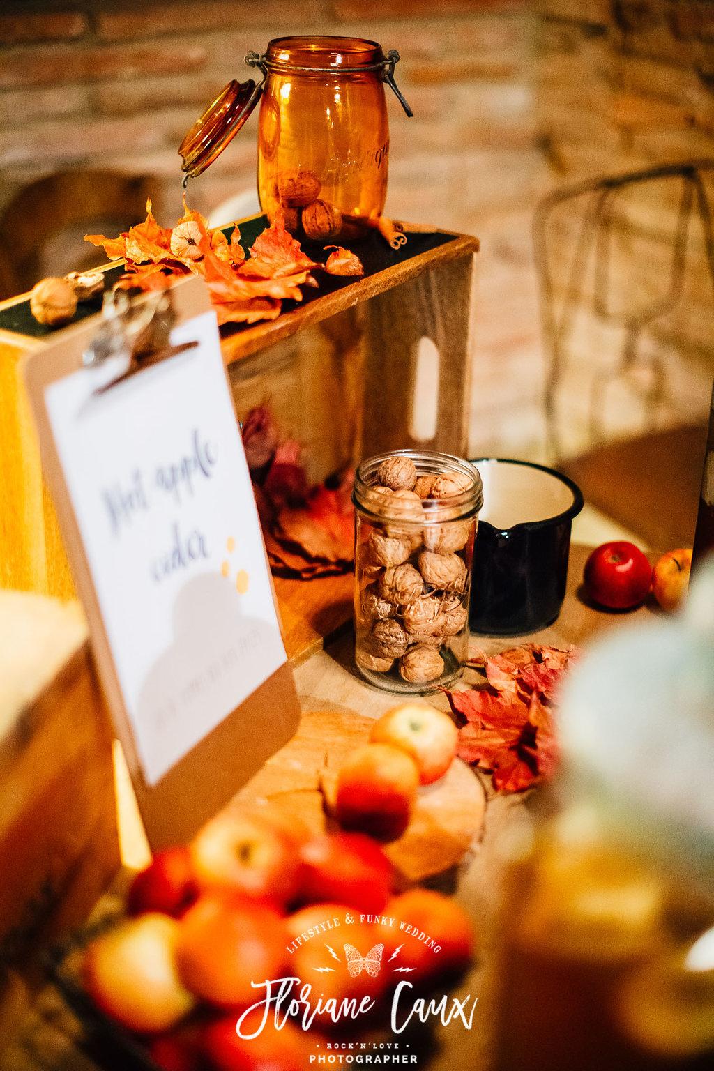 décoration bar à cidre mariage